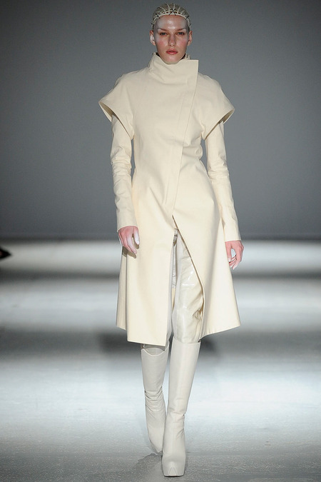 Gareth Pugh fw14 i - All Lambs