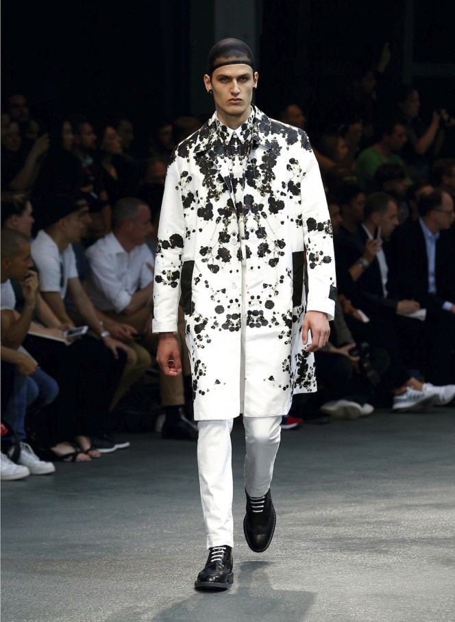 GIVENCHY-SS15-39-All-Lambs
