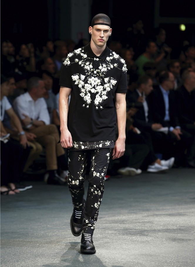 GIVENCHY-SS15-44-All-Lambs