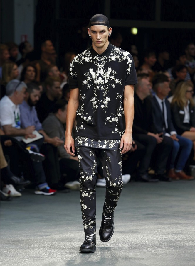 GIVENCHY-SS15-46-All-Lambs