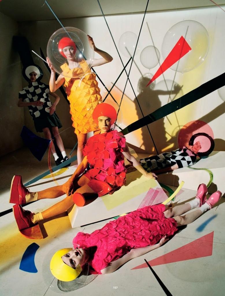 Gravitys-Rainbow_Tim Walker 3